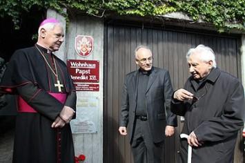 Dr. Gerhard ludwig Müller, Prof. Rudolf Voderholzer, Georg Ratzinger